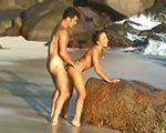imagen Desnudos en una isla desierta