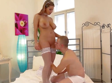 Sexo romántico con una tetona muy guapa