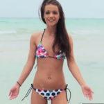 imagen Universitaria jovencita entregando el coño en vacaciones