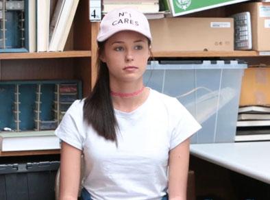Jovencita real follada por ser ladrona de tiendas