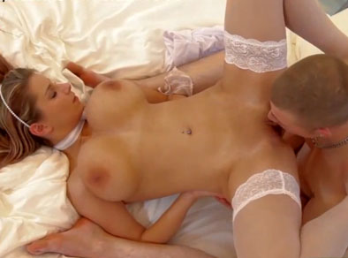 Follada erótica con su divina novia tetona