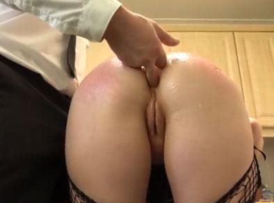 Mi culo está servido en la cocina para que disfrutes