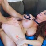 imagen La madura disfruta follar por el culo atada como una perra