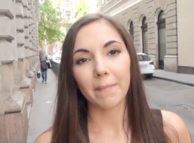 Convencida de entregar el culo a un desconocido